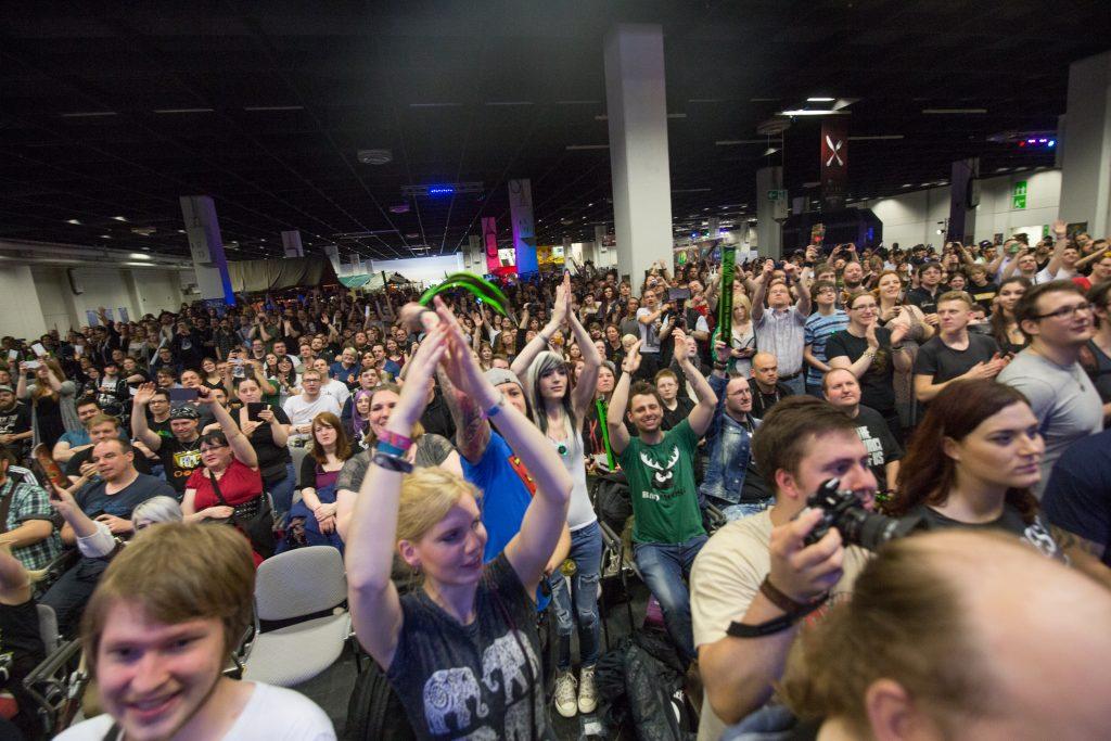 Letsplay4Charity lockt Influencer, Stars und Gamer zum Live-Spenden-Event auf die RolePlayConvention